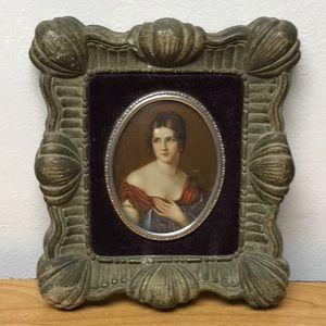 Bubble glass print of lady vintage